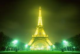 EiffelTowerImage